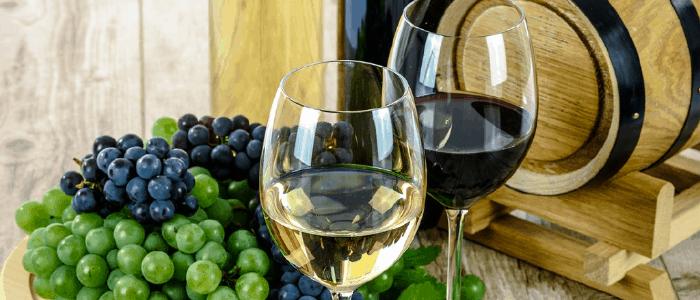 tragos con vino tinto y vino blanco